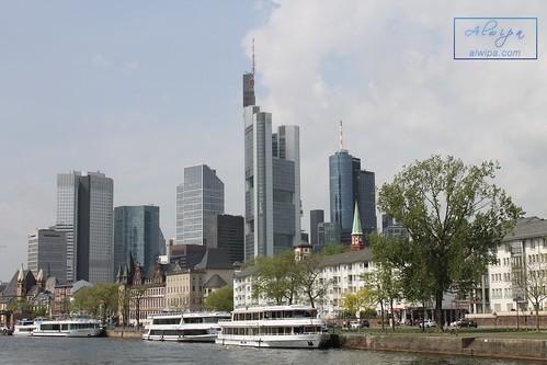 "Frankfurt • <a style=""font-size:0.8em;"" href=""http://www.flickr.com/photos/104879414@N07/44341216974/"" target=""_blank"">View on Flickr</a>"