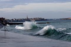 IMG_0084  marée haute à Saint-Malo (gerardstmalo) Tags: wawes vagues tide marée saintmalo