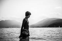 Horizon (PaxaMik) Tags: horizon annecy lacdannecy lac été summertime portrait portraitnoiretblanc baigneur hoyningenhuene contraste buste noiretblanc black blackandwhitephotos