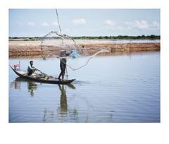 🎏 បាក់ខែង ភ្នំពេញ. 🎏 #PhnomPenh #Cambodia #DailyLife #SonyA7iii #fe85f18 (Agarwood Oil) Tags: fe85f18 dailylife cambodia sonya7iii phnompenh
