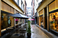 Rue Lulay (Liège 2018) (LiveFromLiege) Tags: liège luik wallonie belgique architecture liege lüttich liegi lieja belgium europe city visitezliège visitliege urban belgien belgie belgio リエージュ льеж ruelulay pluie