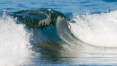 Glassy! (Wilco1954) Tags: glassy corsica waves breaking smooth