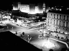 4701 - Naples (Diego Rosato) Tags: naples napoli castello castle maschio angioino notte night fontana fountain bianconero blackwhite rawtherapee