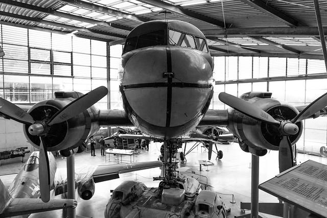 DC-3 vis á vis
