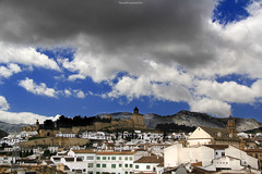Antequera from the roof (ricardocarmonafdez) Tags: málaga andalucía antequera cielo sky nubes clouds light shadows sunlight tejados roofs ciudad city village town cityscape landscape mountain campanarios belltower belfry bulrush buildings canon 60d 1785isusm