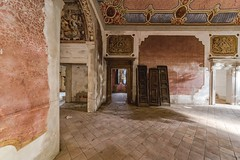 (Kollaps3n) Tags: urbex abandoned nikon urbanexploration italia decay