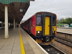 153325+150233 have reached their destination on 2U20, the 1253 Paignton to Cardiff Central. (Conner Nolan) Tags: 153325 150233 class153 class150 gwr greatwesternrailway dogbox cardiffcentral