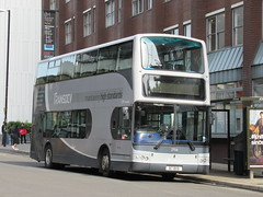 The Burnley Bus Company 2706 (B7BVD) 28082018 (Rossendalian2013) Tags: theburnleybuscompany transdevblazefield transdev transdevburnleypendle burnleypendletravelltd bus manchester volvo b7tl plaxton president b7bvd y706hrn blazefieldvehicledevelopment transdevlancashireunited transdevharrogatedistrict