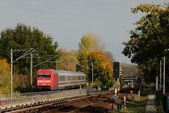 19-10-2018 - Berlin Friedrichsfelde (berlinger) Tags: berlinlichtenberg berlin deutschland friedrichsfelde herbst autumn eisenbahn railways railroad br101 intercity locomotive