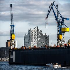 DOCK10 (MAICN) Tags: 2018 square quadratisch architektur building water harbor cityscape gebäude hafen schiff kran hamburg crane boat wasser ship