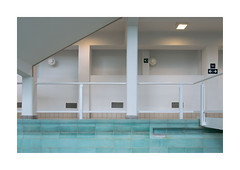 intérieur (godelieve b) Tags: piscine swimmingpool liege inside blue blanc white architecture colones carrelages surface mur wall
