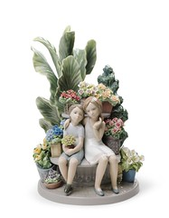 Lladro 01008506 SECRETS IN THE PARK (Lladro from Spain Montinas) Tags: lladro porcelain art limitededition decoration child park flowers