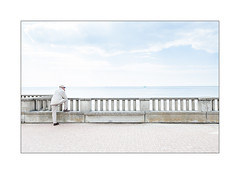 Des fois tu te demandes pourquoi tu n'as pas pris la mer... (Scubaba) Tags: europe france pasdecalais couleurs colors ciel sky mer sea plage beach question