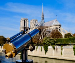 Scoping out Notre-Dame Cathedrale (joanneclifford) Tags: xf1855mm fujifilmxt20 unescoculturallyimportantsites bishopofparis mauricedesully riverseine telescope france paris îledelacité worldheritagesite unesco eugeneviolletleduc notredame notredamecathedrale architecture frenchgothic