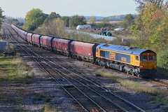 Joint Working?  I think not! (JohnGreyTurner) Tags: br rail uk railway train transport lincolnshire diesel engine locomotive freight brocklesby 66 class66 shed gbrf coal hoppers