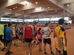 Hallenmarathon Geisingen 2018 (5 Kilometer Lauf) (Loeffle) Tags: 022018 germany allemagne deutschland baden geisingen hallenmarathon wettkampf race run 5kilometerlauf halle indoors lauf running laufen