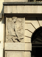 Craftsman of the Treasure House (failing_angel) Tags: 210718 london cityoflondon farringdon treasurehouse 1921hattongarden