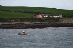 _DSC1565 (Ouverture Sauvage) Tags: sea mer bateau boat coulours hill couleur colline rocks rochers falaises beach plage paysage landscape nikon d7200 sigma 150600 irlande ireland eire