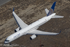 N34131 Boeing 757-200 United Airlines Los Angeles airport KLAX 14.09-18 (rjonsen) Tags: plane airplane aircraft aviation airliner air2air landing helicopter spotting