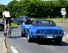 """In a matter of a few yards, the """"Vette"""" will take the lead over the cyclist, Maisons-Laffitte 2018-05-27 (alaindurandpatrick) Tags: generalmotors chevrolet chevroletcorvette corvette vette sportcars ussportcars usclassicsportcars classicsportcars classicmotorshows 78 maisonslaffitte yvelines iledefrance greaterparisarea france"""