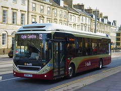 Lothian Buses 45 (BT64LJA) - 29-09-18 (peter_b2008) Tags: lothianbuses volvo7900 hybrid 45 bt64lja edinburgh buses coaches transport buspictures
