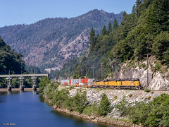 UP 3769 East at Poe, CA (thechief500) Tags: featherriverroute railroads up unionpacific sd402 emd