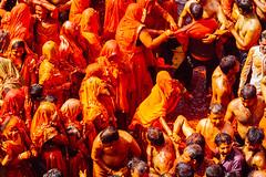 Crowd Playing Holi in Shri Dauji Temple, Chhabria (AdamCohn) Tags: 016kmtobaldevinuttarpradeshindia abeer adamcohn baldev chhabria india shridaujitemple uttarpradesh colors geo:lat=27408311 geo:lon=77821955 geotagged gulal holi play wwwadamcohncom अबीर गुलाल baldeo