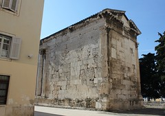 Temple side view (bishib70) Tags: architecture classical ancient roman pula augustus