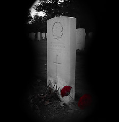 Throught the keyhole - black and white (kimberley07) Tags: brookwood woking surrey military cemetery grave autumn october remeberance