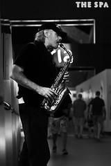 The sax player (alestaleiro) Tags: street sax player musiciian músico saxo mono monochrome monocromo bw bianconero candid streetcapture vegas lasvegas nevada pb bn robada callejero artista artist alestaleiro