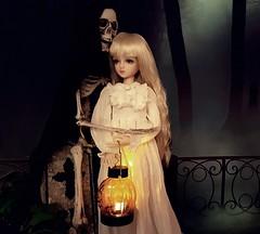 (claudine6677) Tags: bjd msd ball jointed doll asian dolls islanddoll amy halloween skeleton reaper graveyard friedhof skelett dark night