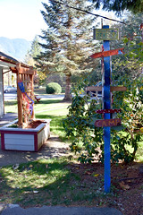 Zeke's 080 (Donna's View) Tags: nikon d3300 zekesdrivein zekesville zekesvillewa drivein food milkshakes handmademilkshakes sign signpost