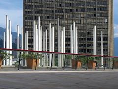 tres de arquitectura (juanjosebarrientoscsj) Tags: medellin biblioteca epm arquitectura tarde palomas refeljo interior exterior edificio luces parque