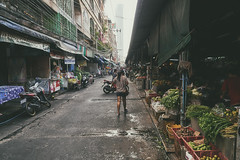 (a└3 X) Tags: street alexfenzl color farbe people olympus person streetphoto streetphotography 3x city citylife urban a└3x menschen availablelight wow leute menschenbilder thailand bangkok
