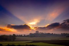 Amanece en Martioda 2 (DRGfoto) Tags: amanecer martioda sol nube rayo luz dorado alava drgfoto wwwdrgfotocom drgfotocomgmailcom