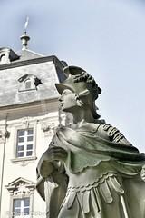 Statue vor Schloss Werneck