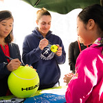 Gabriela Dabrowski, Yifan Xu of China