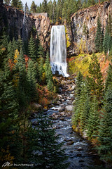 Falls in fall (Matt Straite Photography) Tags: autumn fall color water waterfall stream river nature orenge bend landscape
