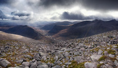 Looking south from Macdui (OutdoorMonkey) Tags: càrnamhàim devilspoint benmacdui lairigghru cairngorms scotland boulder rock stones stony outside outdoor countryside scenery scenic nature natural wild wilderness remote river glendee riverdee