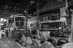 IHB 2924 @ Hammond, IN (Michael Polk) Tags: indiana harbor belt emd sd20 sw1500 roundhouse gibson yard freight locomotive shop train ihb