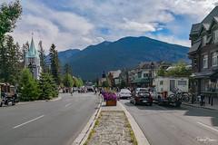 Banff (since 1960) Tags: kanada canada alberta banff rockymountains berge himmel sky wolken clouds stadt city strase street haus house gebäude building skyline architektur architecture huawei
