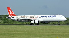 TC-JTP (AnDyMHoLdEn) Tags: turkishairlines a321 troy staralliance egcc airport manchester manchesterairport 05r