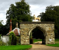 [67070] Scrivelsby : Lion Gateway (Budby) Tags: scrivelsby lincolnshire 19thcentury lodge gatehouse gate