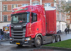 Next Generation Scania S500 v8 CB57403 makes a tight turn (sms88aec) Tags: next generation scania s500 v8 cb57403
