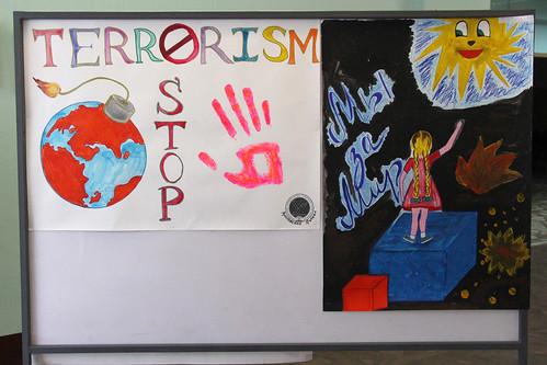 Конкурс плакатов и стенгазет Мы за мир! Мы против террора 25 09 2018 (4)