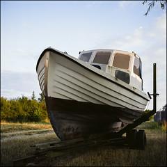 A dry Summer - Fuji Reala 100 (magnus.joensson) Tags: sweden skåne summer july boat rolleiflex carl zeiss tessar 75mm 81a filter fuji reala 100 expired c41 6x6