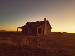 Abandoned farm house at sunset. (gabrieltadams1983) Tags: abandoned farm sunset wyoming west homestead decay