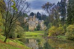 Beaufort Castle (Geert E) Tags: beaufort kasteel luxemburg herfst vijver castle chateaux autumn fall pond
