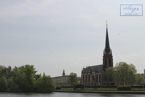 "Frankfurt • <a style=""font-size:0.8em;"" href=""http://www.flickr.com/photos/104879414@N07/44149970215/"" target=""_blank"">View on Flickr</a>"