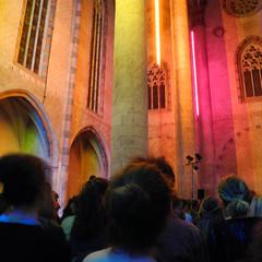 Couvent sous néons (nahia.peschard) Tags: couvent église church jacobins toulouse sarkis néons bâtiment architecture public